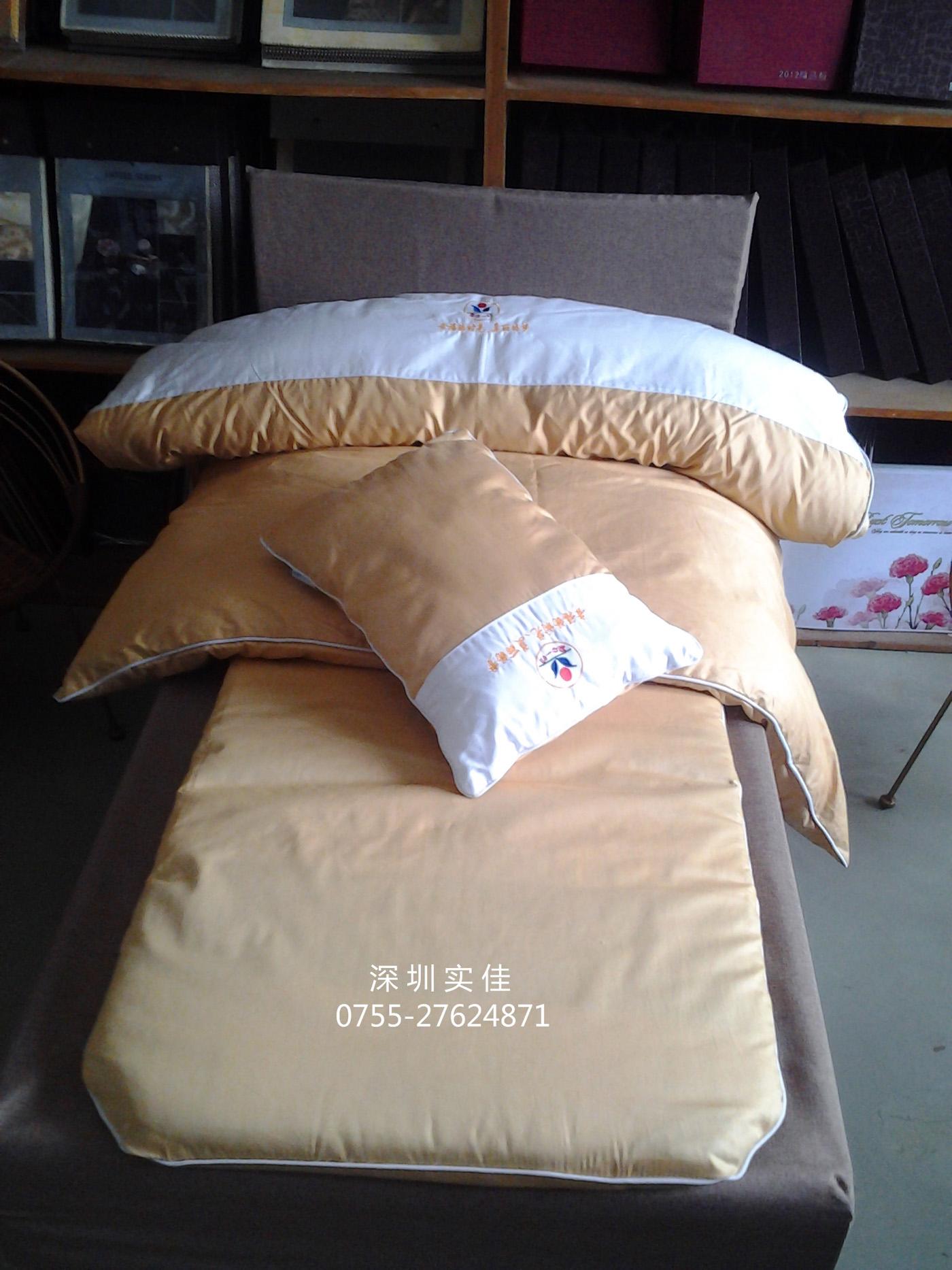 兒童床上用品(土金色繡logo)